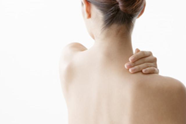 肩コリで悩む女性は70%